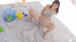 Tiny4K - Gina Valentina Sun And Sand